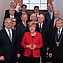 Minister President Haseloff, Chancellor Merkel, Leopoldina President Prof. Hacker and the Presidium of the Leopoldina. Image: Christof Rieken for the Leopoldina.